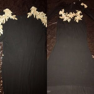 FLOOR LENGTH BLACK EVENING GOWN WITH GOLD ACCENT